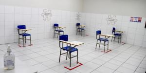 """""""Não tem que se sentir à vontade"""", diz Seduc sobre retorno de professores à sala de aula"""