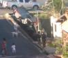 Viatura da PM cai em escadaria durante perseguição na Zona Norte de Teresina