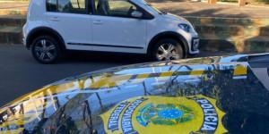 Veículo roubado é recuperado pela PRF às margens da BR-316 em Teresina