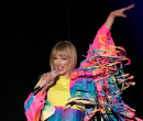 Taylor Swift lança música se dirigindo a homofóbicos