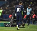 Neymar se apresenta e treina no PSG após atraso de uma semana