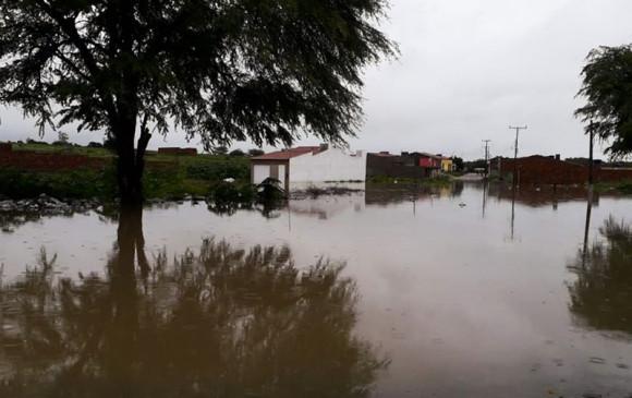 Prefeito decreta estado de emergência após rompimento de barragem
