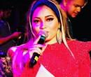 Cantora dá tapa em homem após ser assediada em show; vídeo