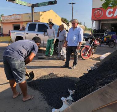 União produz asfalto pela primeira vez e dá início a operação tapa-buracos