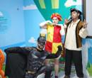 Heróis divertem crianças no hospital Unimed Ilhotas