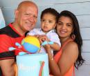 O deputado Franzé Silva e Mayra Araújo festejam aniversário do filho