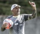 Sampaoli quebra sequência ao barrar Pituca no Santos