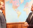 Assessor usa lema da ditadura espanhola para saudar Carlos Bolsonaro