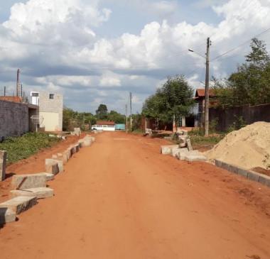 Rua José Almeida recebe obras de pavimentação