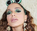 Anitta se fantasia de sapa e abelha para curtir o carnaval