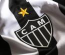 Atlético-MG repudia ato de mascote com zagueira e afasta funcionário