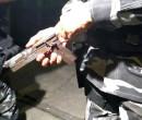 Dupla é pega pela PM portando arma artesanal no Árvores Verdes