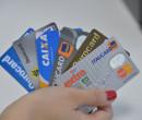 """Idosos são os principais alvos de cartão de crédito consignado: """"Dívida eterna"""""""