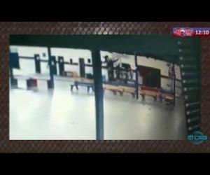 TV O Dia - ROTA DO DIA 31 03 20 Bandidos flagrados por câmeras saqueando escola no bairro Monte Alegre